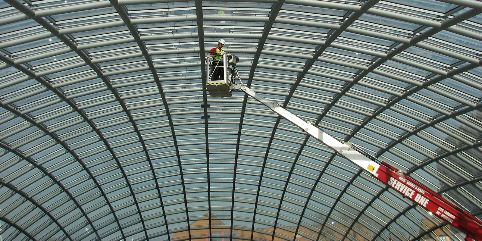 Atrium Lifts – Compact Booms